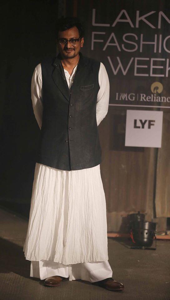 Anand Kabra-lakme-fashion-week-2016-Anand Kabra-lakme-fashion-week-2016-17