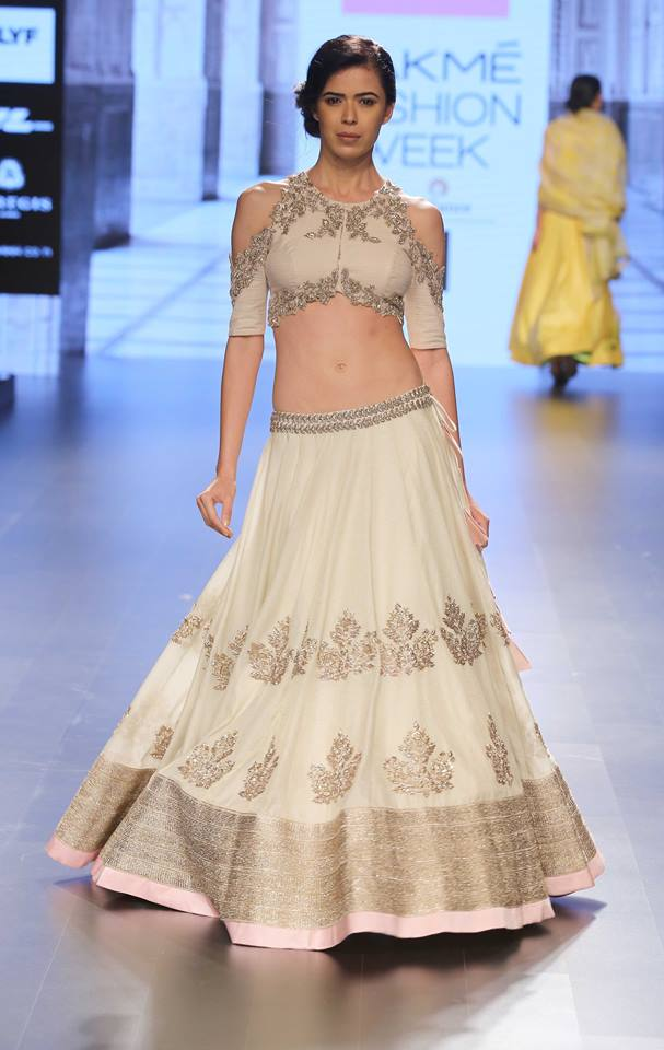 Anushree Reddy-at-lakme-fashion-week-16-14