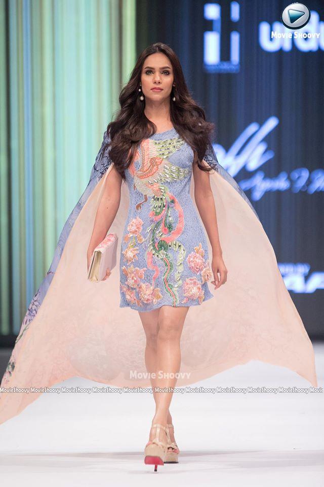 Ayesha Farooq Hashwani-fashion-pakistan-week-11
