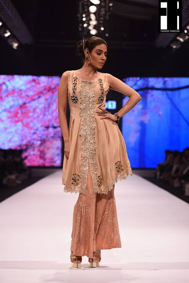 Lala Textiles-collection-at-fashion-pakistan-week-15