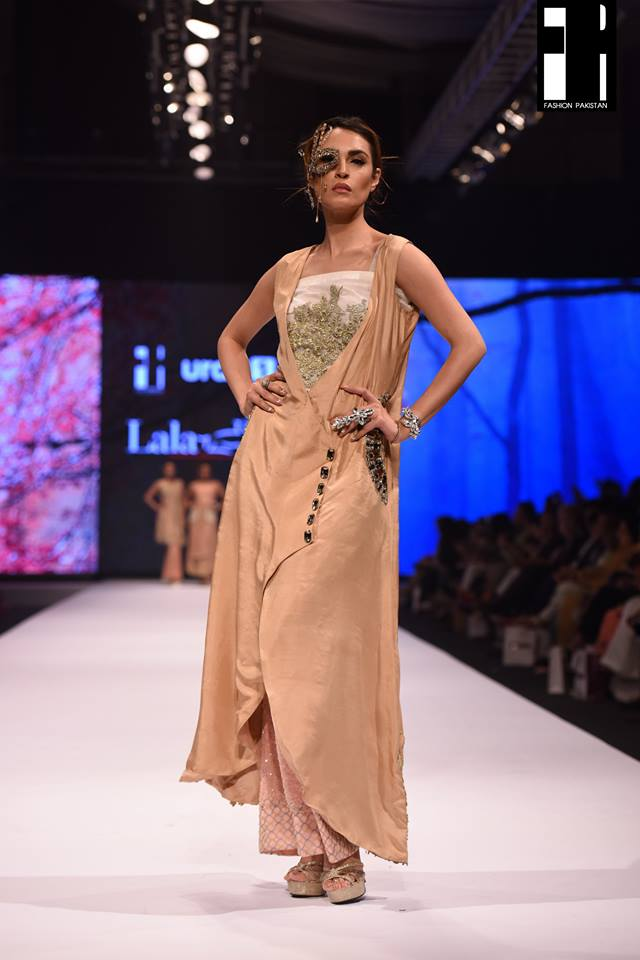 Lala Textiles-collection-at-fashion-pakistan-week-18