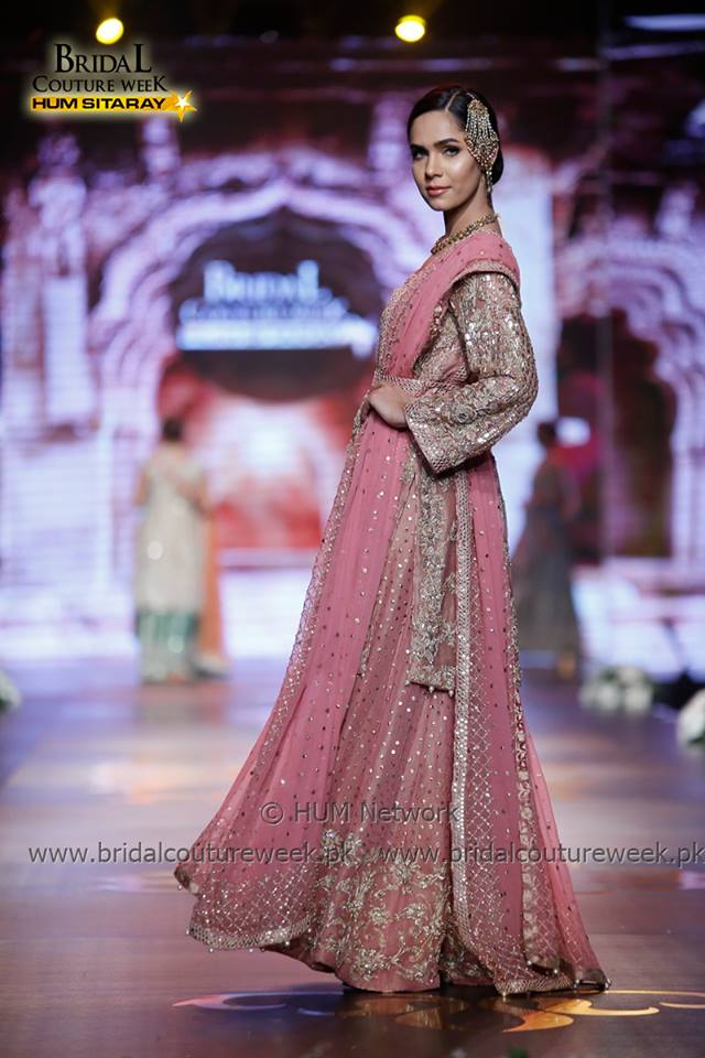 AISHA IMRAN-bridal-collection-at-bridal-couture-week-gold-16