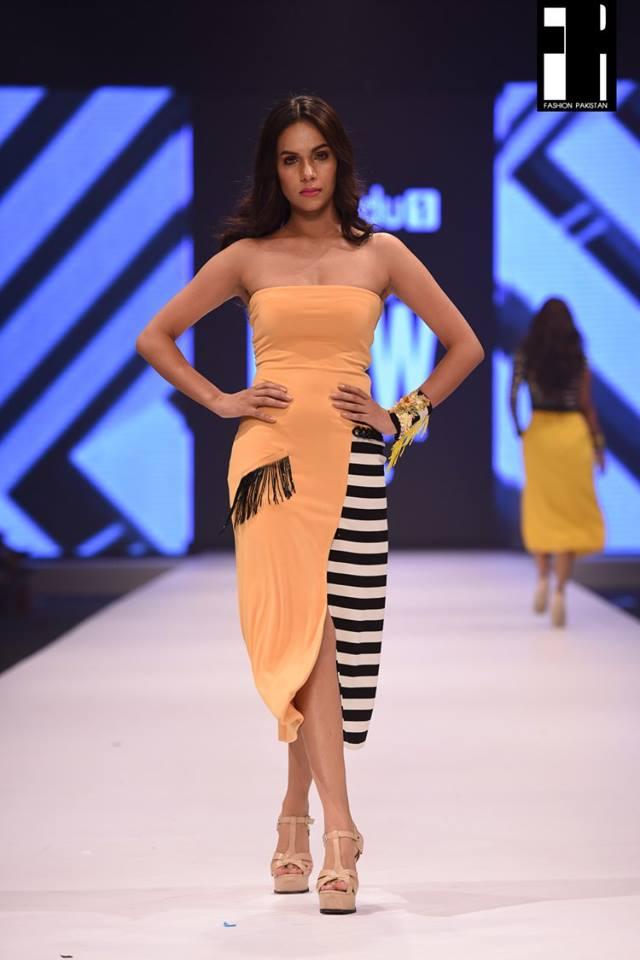 Aamna Aqeel-collection-fashion-pakistan-week-12