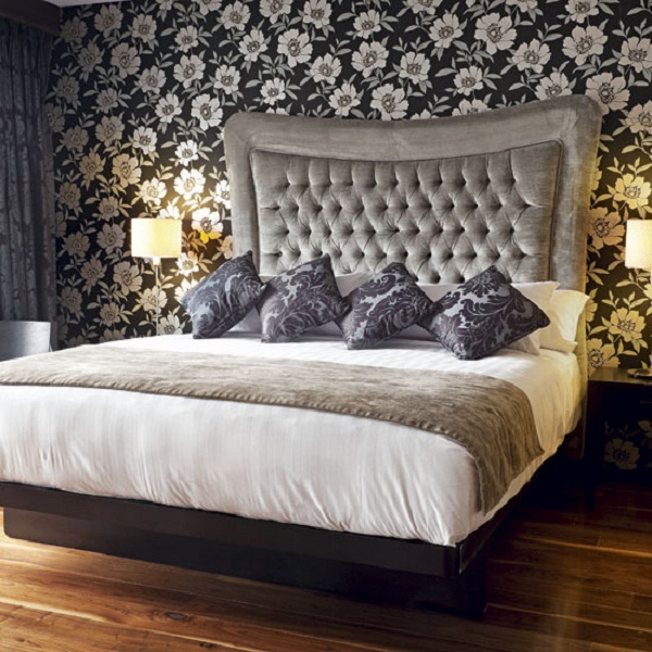 Gorgeous Bedroom Wallpaper Designs 16