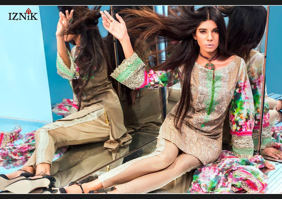 IZNIK-designer-lawn-pakistani-12