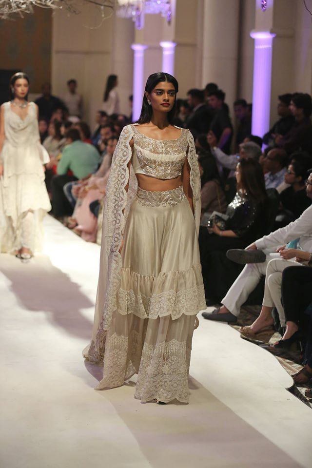 Anamika Khanna-collection-India-couture-week-2016-1