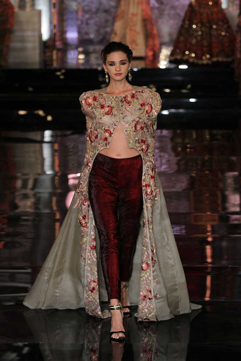 Manish-Malhotra-collection-india-couture-week-2016-24