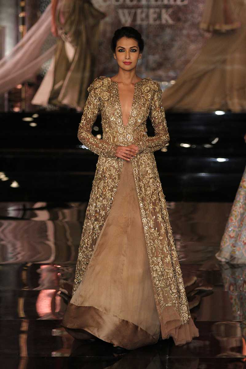 Manish Malhotra Latest Bridal Collection At India Couture Week 2016 Pk Vogue