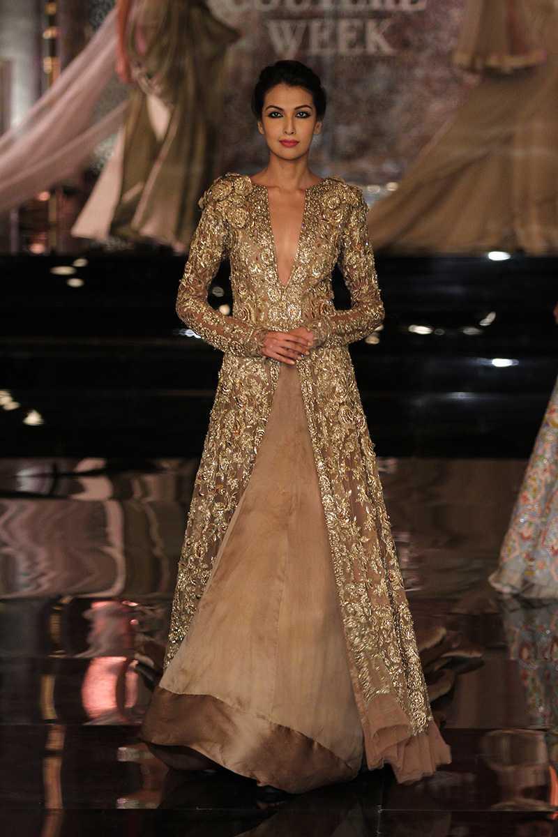 Indian Runway Fashion - Showcased Best Designer\'s Work | Sareez Blog