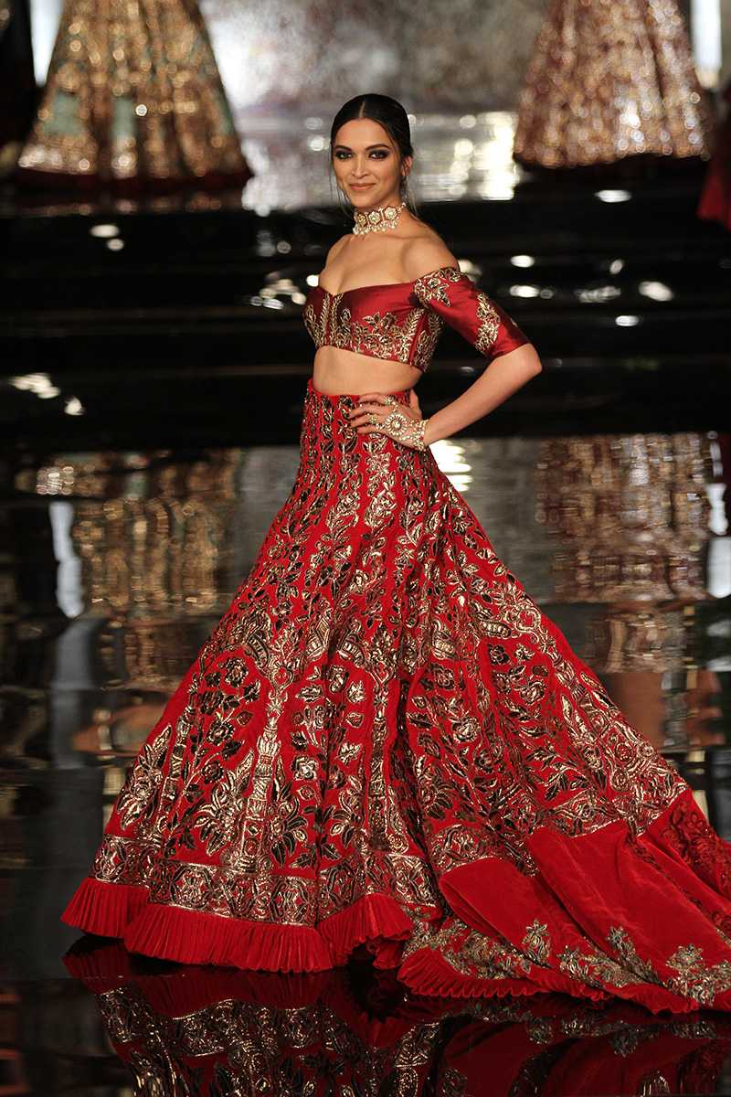 Padukone-manish-malhotra-outfit- Manish Malhotra Wedding Dresses 2017-Top 20 Bridal Dress by Manish Malhotra
