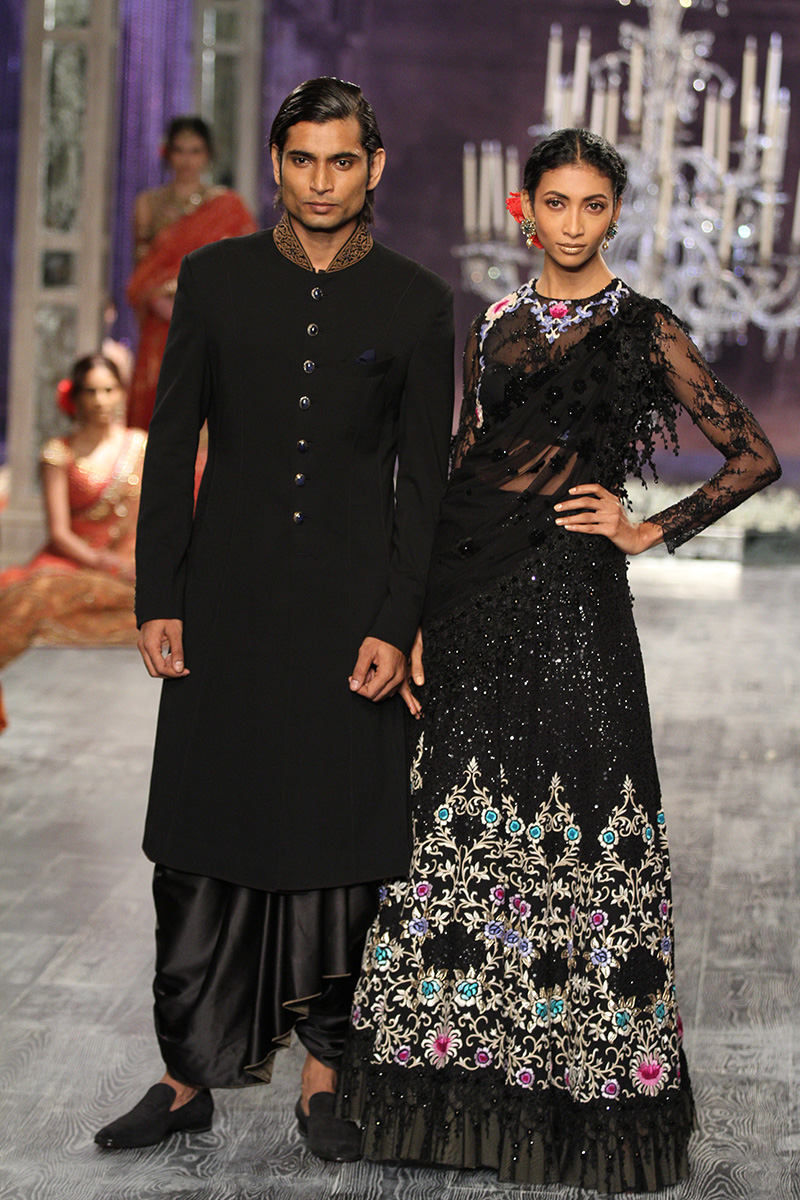 Tarun Tahiliani-india-couture-week-bridal-dresses-18