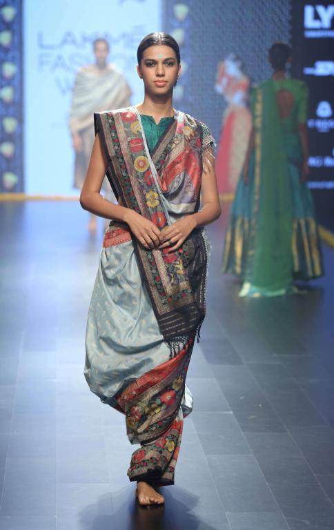 Gaurang-Collection-at-lakme-fashion-week-15