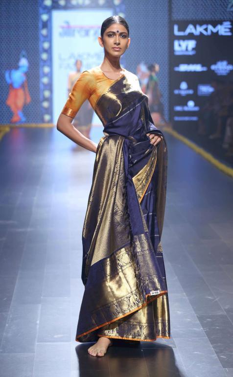 Gaurang-Collection-at-lakme-fashion-week-18
