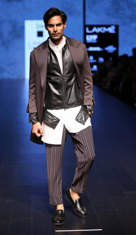 Grazia-Young-Collection-At-lakme-fashion-week-20