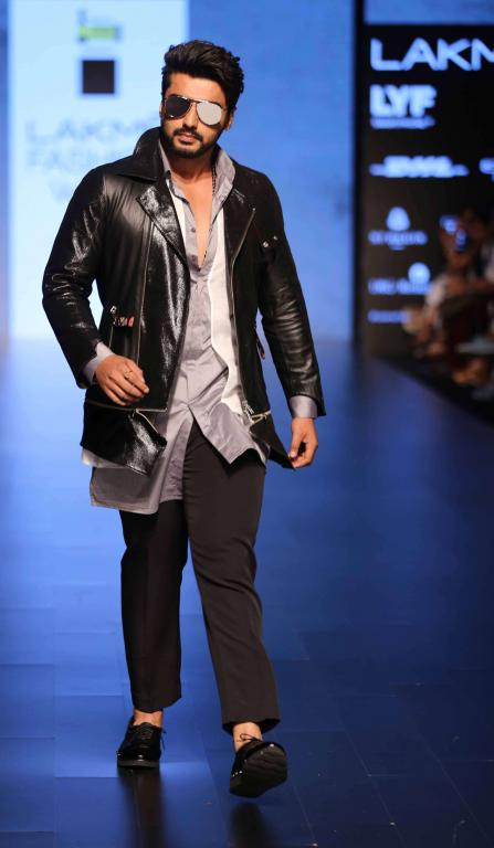 Grazia-Young-Collection-At-lakme-fashion-week-21