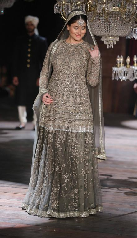 Lakme Absolute Grand Finale By Sabyasachi-at-lakme-fashion-week-31