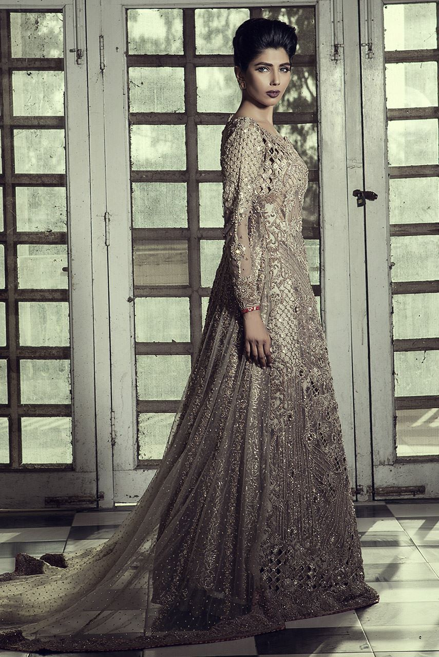 erum-khan-bridal-dresses-2017-10