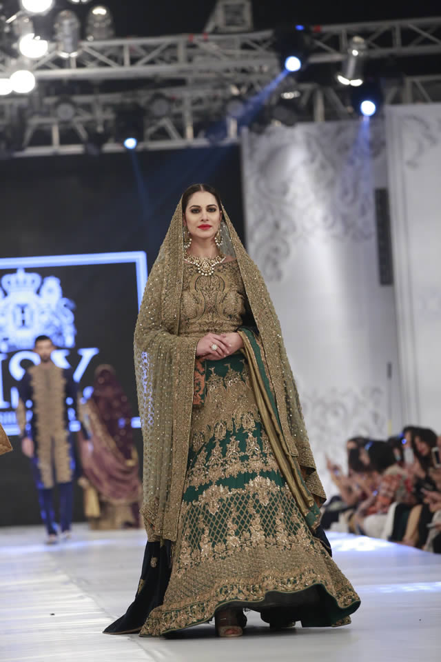 hsy_bridal_dresses_pfdc_loreal_paris_bridal_week_pkvogue-com-22