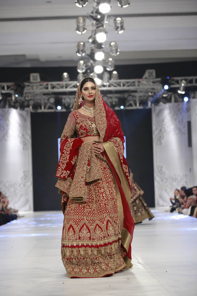 hsy_bridal_dresses_pfdc_loreal_paris_bridal_week_pkvogue-com-24