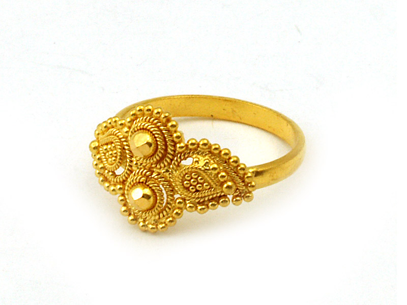 15 Awesome Designs Indian Gold Rings 2016