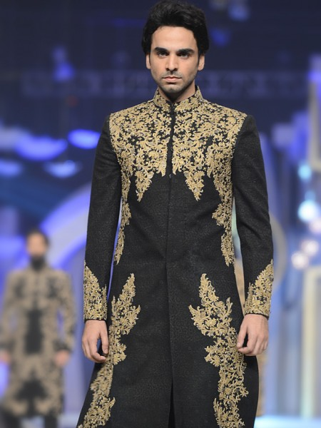 men-sherwani-designs-hsy-5