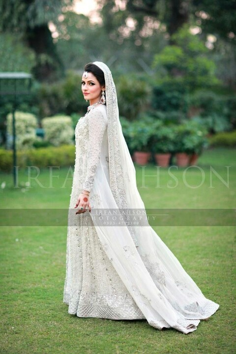 pakistani-bridal-dress-designs-11