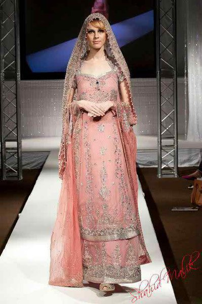 pakistani-bridal-dress-designs-13
