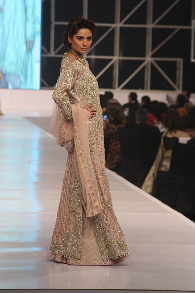 pakistani-bridal-dress-designs-14