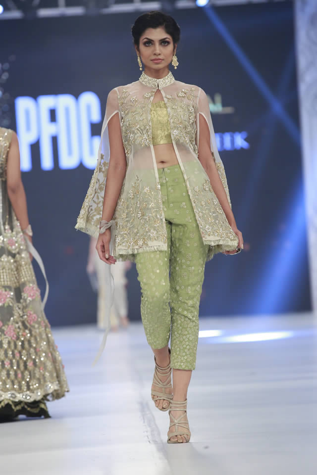 saira-rizwan-bridal-collection-loreal-bridal-week-2017-pkvogue-com-11