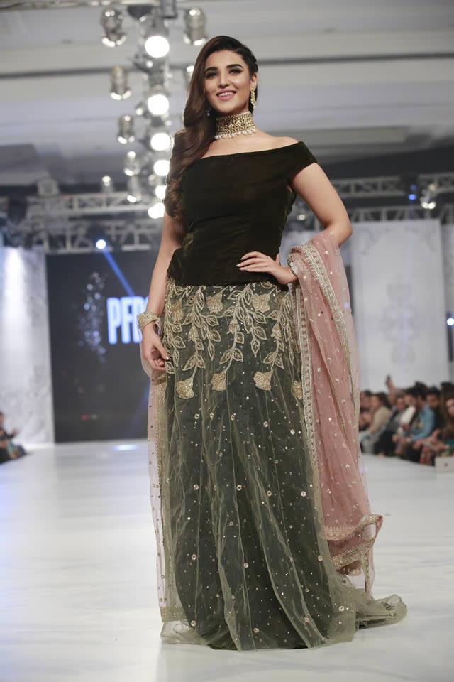 saira-rizwan-bridal-collection-loreal-bridal-week-2017-pkvogue-com-15