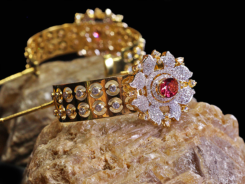 gold-bangles-design-10