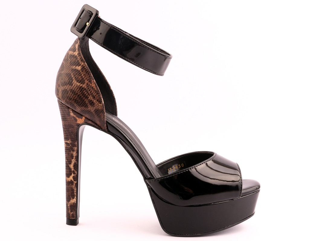 insignia-women-shoes-eid-collection-17