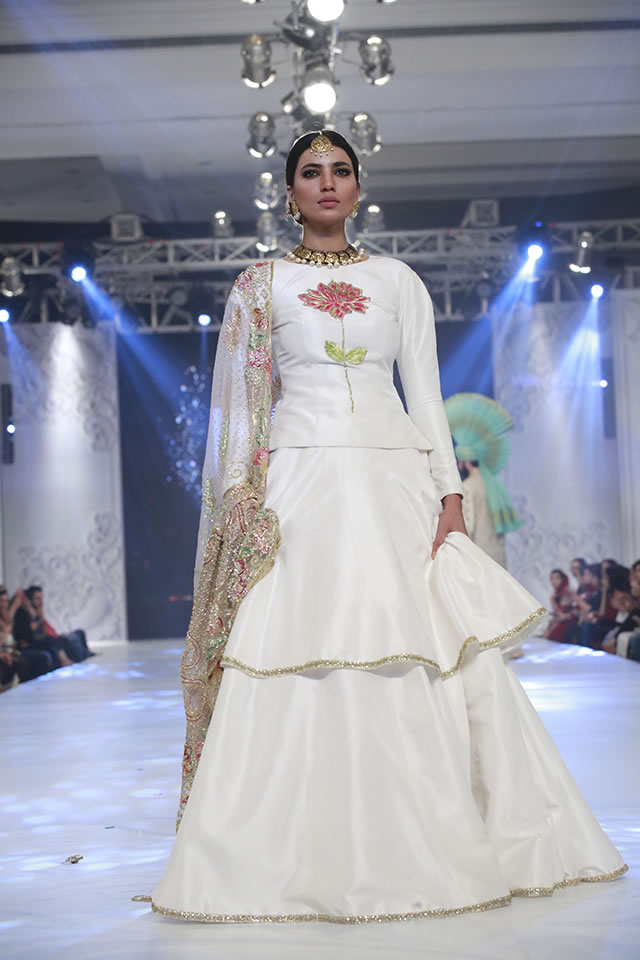 ali-xeeshan-bridal-collection-at-loreal-bridal-week-2017-15