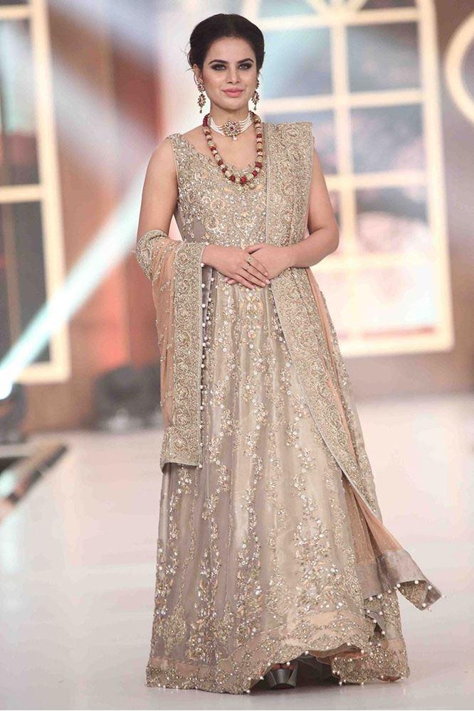 aisha-imran-bridal-dresses-2017-11