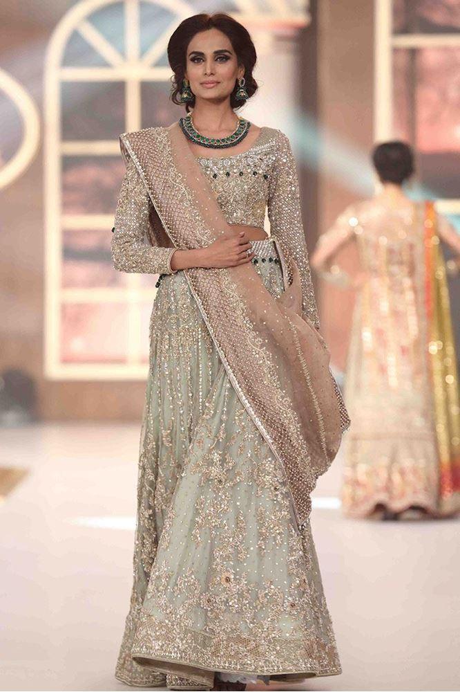 aisha-imran-bridal-dresses-2017-14