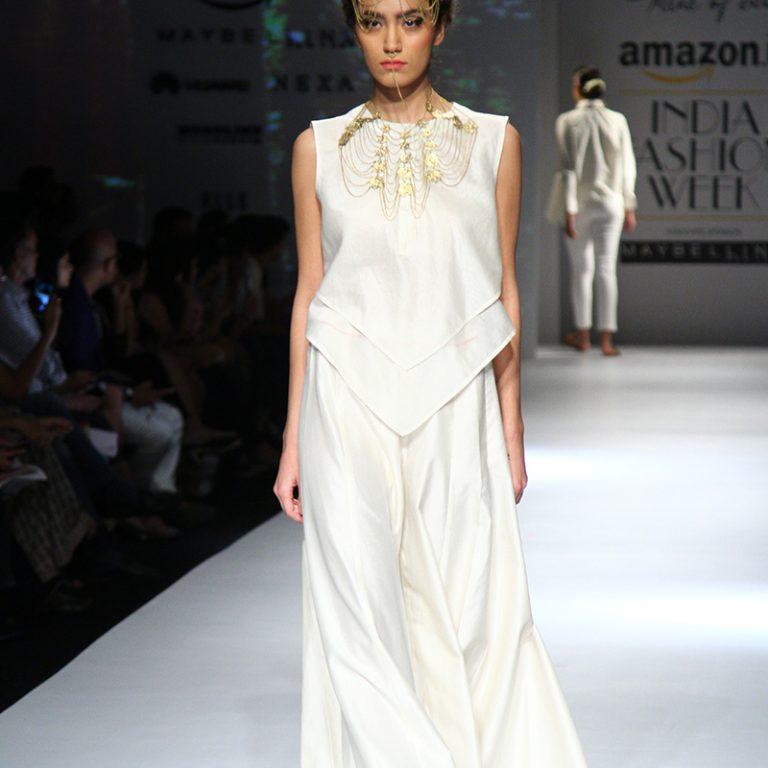 ambar-pariddi-sahai-spring-collection-amazon-india-fashion-week-2017-12