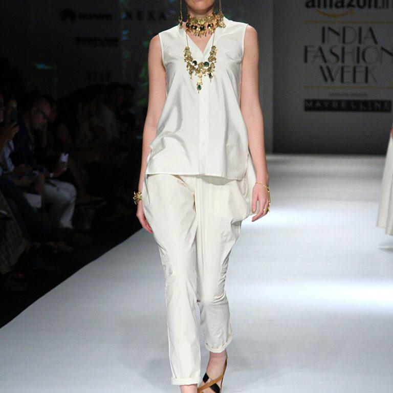 ambar-pariddi-sahai-spring-collection-amazon-india-fashion-week-2017-13