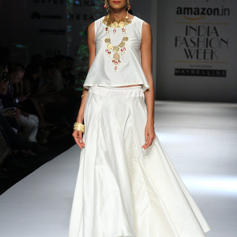 ambar-pariddi-sahai-spring-collection-amazon-india-fashion-week-2017-14