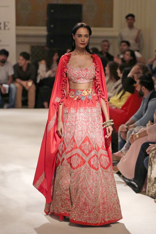 anamika-khanna-bridal-dress-38