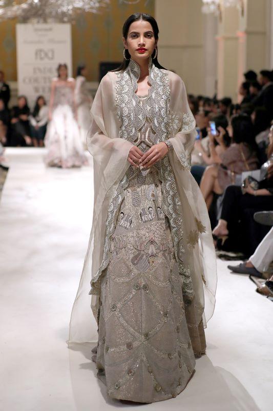 anamika-khanna-bridal-dress-41