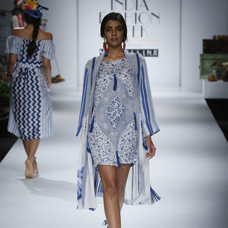 anupamaa-by-anupama-dayal-at-amazon-india-fashion-week-2017-15