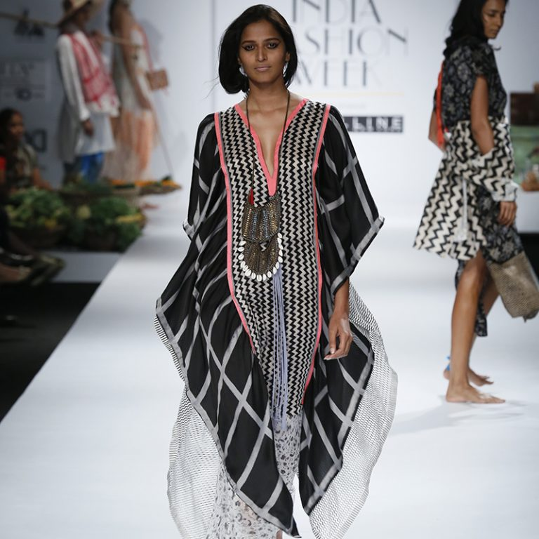 anupamaa-by-anupama-dayal-at-amazon-india-fashion-week-2017-18