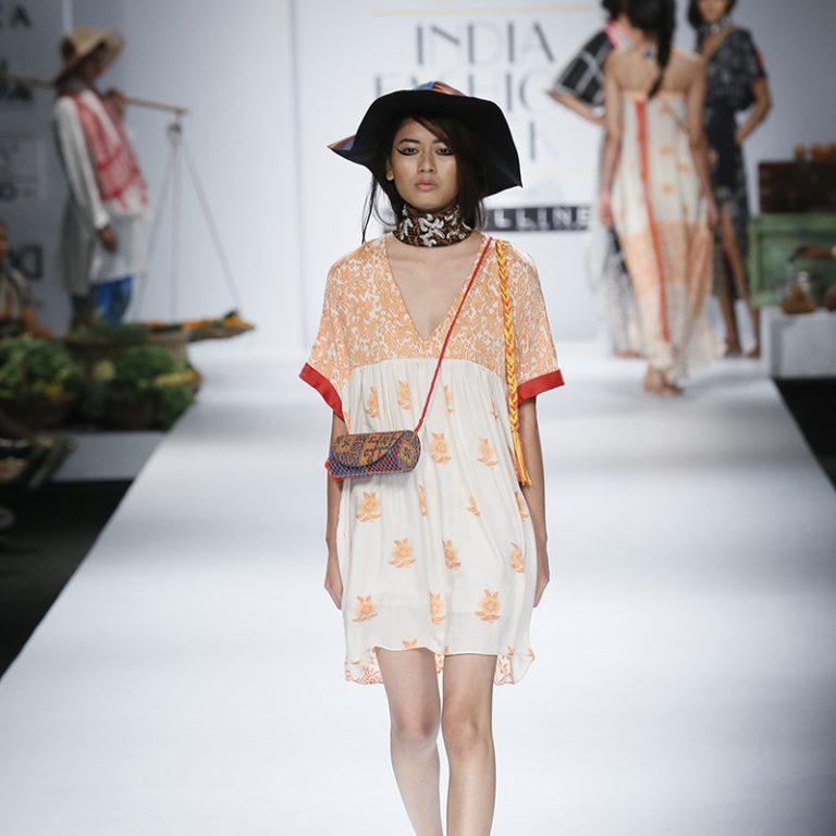 anupamaa-by-anupama-dayal-at-amazon-india-fashion-week-2017-19