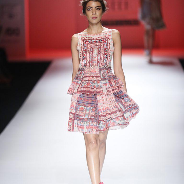 bhanuni-by-jyoti-latest-dresses-amazon-india-fashion-week-spring-summer-2017-10