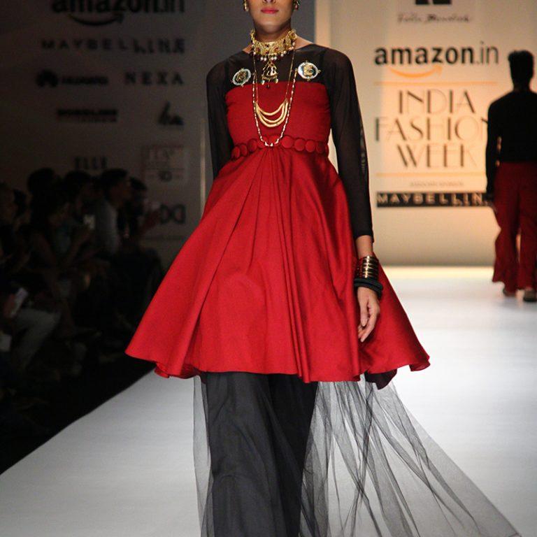 felix-bendish-latest-collection-amazon-india-fashion-week-2017-15