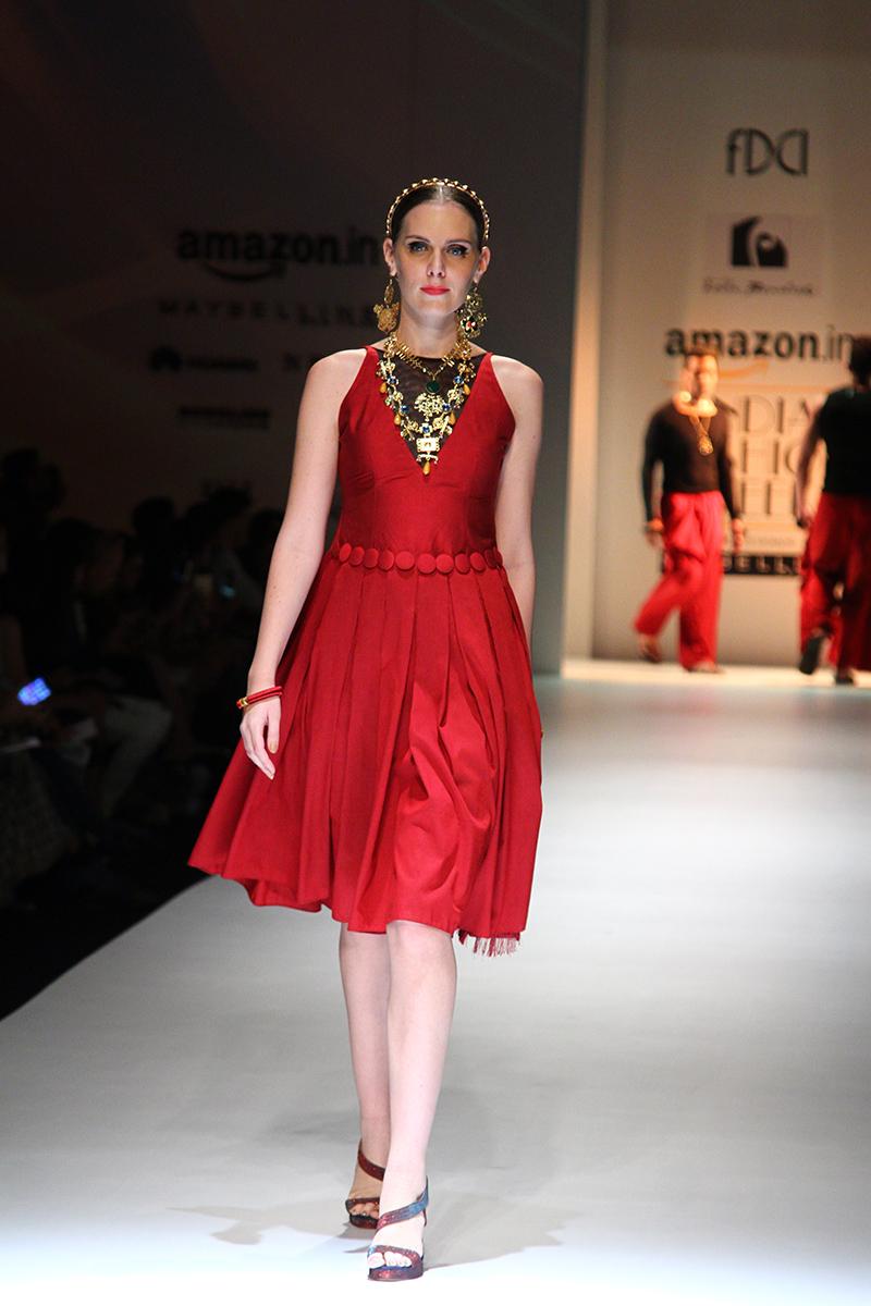 felix-bendish-latest-collection-amazon-india-fashion-week-2017-17