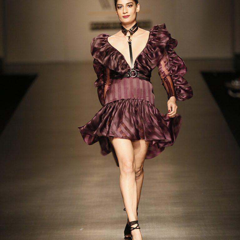 gauri-nainika-at-amazon-india-fashion-week-2017