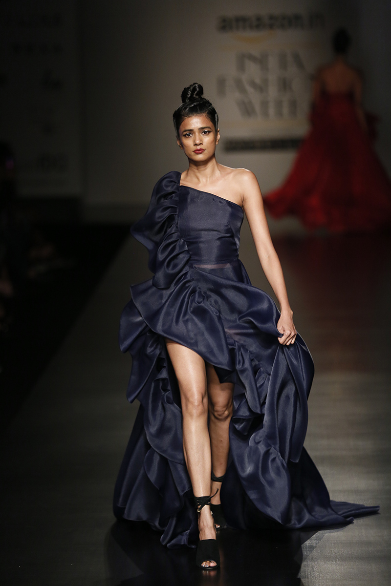 gauri-nainika-at-amazon-india-fashion-week-2017-18