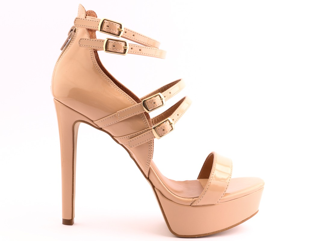 high-heel-shoes-insignia-10