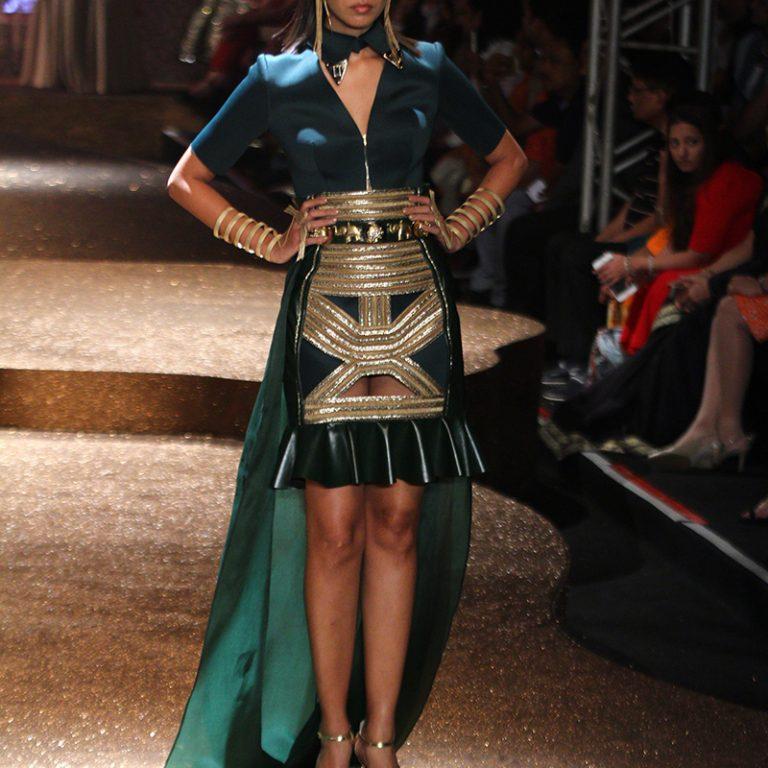 jj-valaya-alpana-neeraj-saree-lehenga-choli-collection-at-amazon-india-fashion-week-2017-44